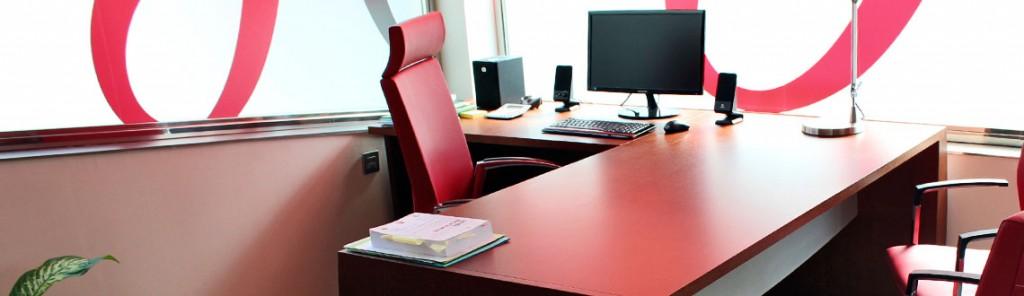 Instalación de Mamparas y Mobiliario de Oficina