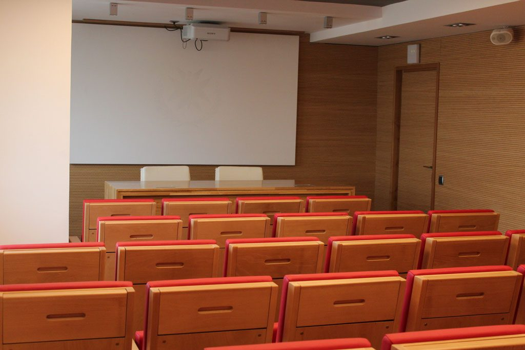 Colegio-de-medicos-instalacion-de-butacas