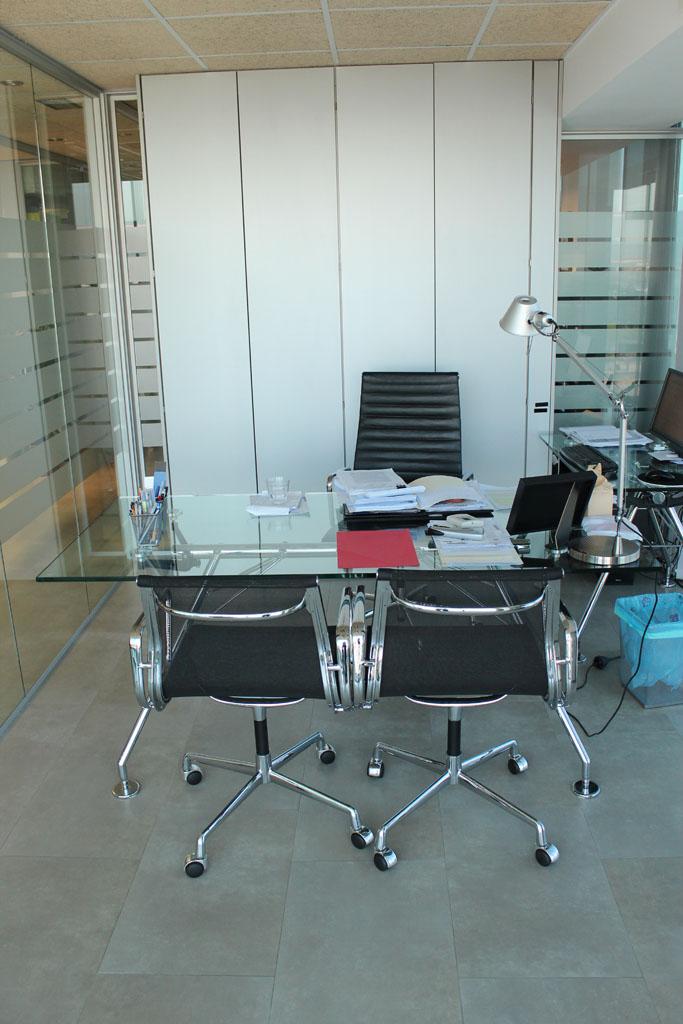 Mampara en palaz n y vigueras abogados proyectos muebles for Muebles montiel