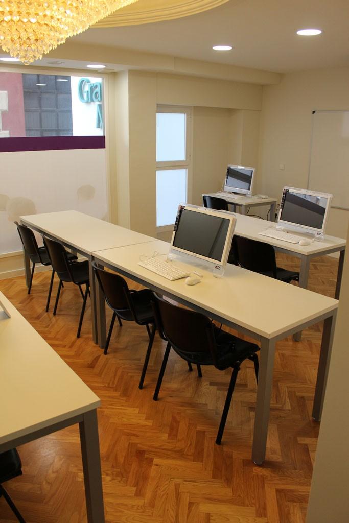 academia-ingenius-mampara-tabique-movil-mobiliario